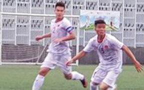 U18 Việt Nam thắng kịch tính U18 Singapore trong ngày ra quân tại giải giao hứu Tứ hùng ở Hong Kong (Trung Quốc)