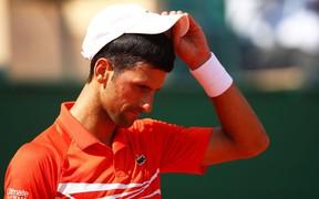 Sai lầm nối tiếp sai lầm, Djokovic bị tay vợt Nga hạ gục ở tứ kết Monte Carlo Masters