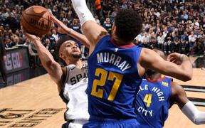 Derrick White thiết lập kỷ lục cá nhân, Spurs tạm thời dẫn trước Nuggets