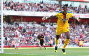 Arsenal 2-3 Crystal Palace: Thua sốc trên sân nhà, Pháo thủ lỡ cơ hội chen chân vào Top 3