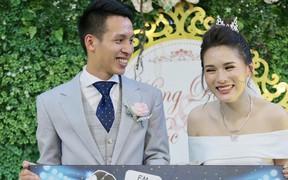 Phan Văn Đức tặng quà cưới cực độc, thầy Park rạng ngời dự hôn lễ của Hùng Dũng