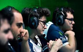 """Drama to """"khủng bố"""" của làng Esports: BTC thản nhiên thêm luật để trợ giúp nhà cựu vô địch thế giới"""