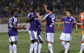 CLB Hà Nội 3-2 Đà Nẵng: Nhà vô địch thắng toát mồ hôi trong ngày ra mắt của Bùi Tiến Dũng