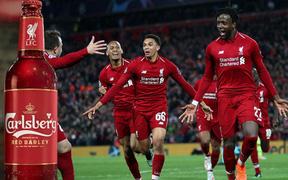 Người hâm mộ Liverpool FC nhận món quà ý nghĩa