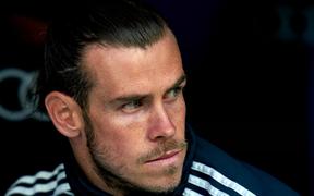 """""""Cầu thủ bóng đá như những con robot, người ta bảo ăn giờ nào thì phải ăn giờ đó"""""""