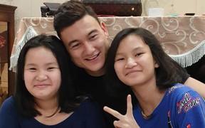Sinh nhật tuổi 26 của Lâm Tây: Đại gia đình họ Đặng kéo nhau sang Thái xua tan nỗi cô đơn cho cậu cháu