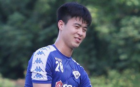"""HLV Hà Nội FC lo lắng: """"Duy Mạnh đang bị đau nhưng chắc chắn sẽ phải thi đấu"""""""