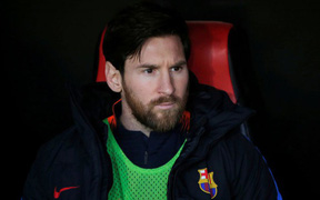 Nghi vấn Messi từ chối bắt tay, tỏ thái độ băng giá với tân binh trăm triệu USD của Barcelona và sự thật đằng sau
