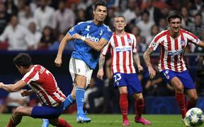 CR7 tịt ngòi, Juventus chia điểm trên sân của Atletico Madrid dù dẫn trước 2-0