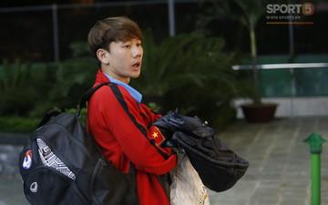 """Quang Hải chu mỏ cực cute, Minh Vương ngơ ngác như """"nai lạc đàn"""" khi đến khách sạn"""