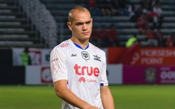 """ĐTQG Thái Lan nhận """"tin dữ"""" từ trung vệ ăn tập tại Bundesliga"""
