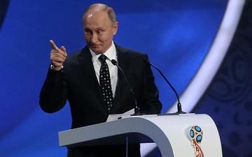 Hai cổ động viên Argentina may mắn được tổng thống Putin tặng vé xem World Cup