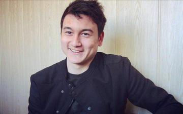 """Lâm """"Tây"""" nổi hứng dạy tiếng Nga trên Facebook, fan lại chỉ muốn xem anh tập viết Tiếng Việt"""