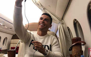 """Ronaldo nhận """"gạch đá"""" vì đăng ảnh sống ảo trên máy bay đúng thời điểm nhạy cảm"""