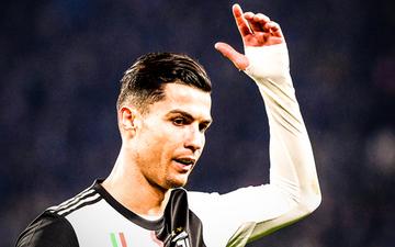 Ronaldo vùng vằng khi bị thay ra ngay từ phút 55, càng trớ trêu hơn khi người thay anh lại trở thành cứu tinh của đội