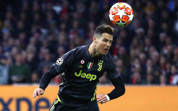"""""""Ronaldo là con quái vật trong vùng cấm địa"""""""