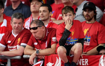Sau MU, đến lượt fan Liverpool khổ sở vì vé vào sân Camp Nou