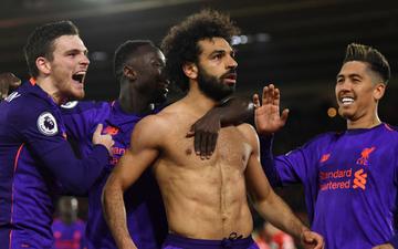 """""""Vua Ai Cập"""" rực sáng, Liverpool tái chiếm ngôi đầu bảng Ngoại hạng Anh từ tay Man City"""