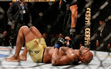 Huyền thoại MMA thoát cảnh giải nghệ sau chấn thương kinh hoàng gặp phải tại UFC 237