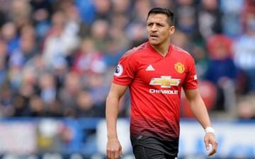 """Manchester United biến Sanchez thành """"vật tế thần"""" để chiêu mộ sao Juventus"""