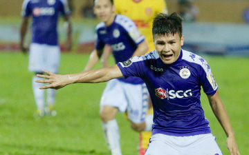 Quang Hải phản ứng mạnh với trọng tài trong ngày Hà Nội FC thất bại muối mặt trước Nam Định FC