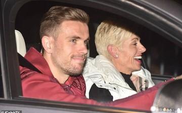 Dàn sao Liverpool vui vẻ tươi cười suốt cả đêm sau trận đấu lịch sử trước Barcelona