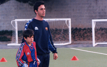 Thái Lan thuê cựu HLV Barcelona làm Giám đốc kỹ thuật, quyết vượt Việt Nam sau thất bại tại King's Cup