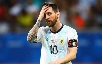 Messi mờ nhạt, ôm mặt thất vọng khi Argentina nhận thất bại muối mặt ở trận ra quân Copa America