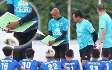 Tuyển Thái tập luyện với sơ đồ 3 trung vệ quyết đấu với Việt Nam