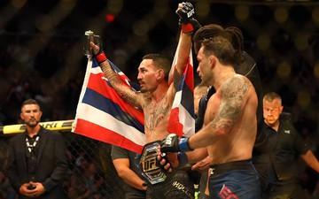 UFC 240: Max Holloway hạ gục Frankie Edgar, duy trì ngôi vương tại hạng lông thế giới