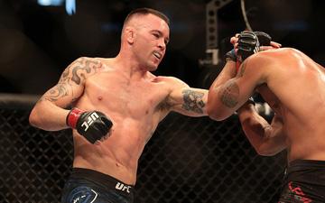 """UFC: Giành thắng lợi áp đảo trước cựu vương Lawler, Covington """"gáy"""" lớn, đòi đấu ngay với nhà vô địch"""