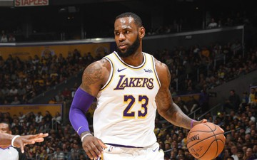 Lần đầu tiên sau 9 năm, LeBron James đánh mất vị trí độc tôn trên BXH cầu thủ của ESPN