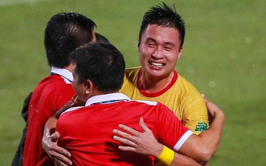 Hậu vệ trái số một Nam Định viết tâm thư xúc động chia tay CLB, vào miền nam thi đấu