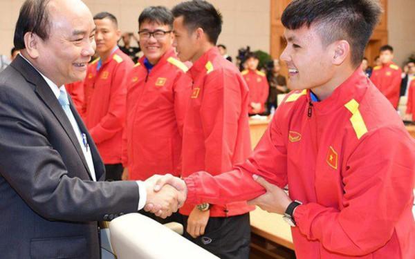 Thủ tướng Chính phủ gặp mặt, khen thưởng Đội tuyển Việt Nam