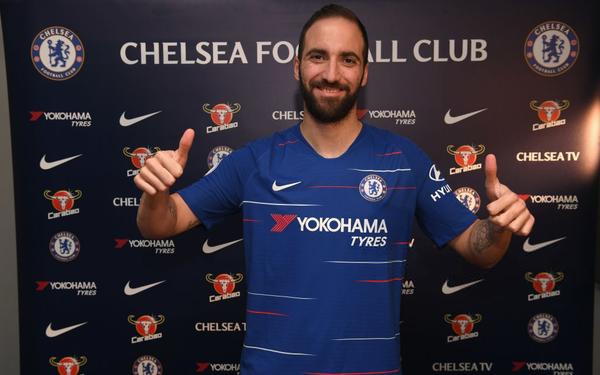 """Chelsea chính thức sở hữu """"sát thủ"""" Gonzalo Higuain"""