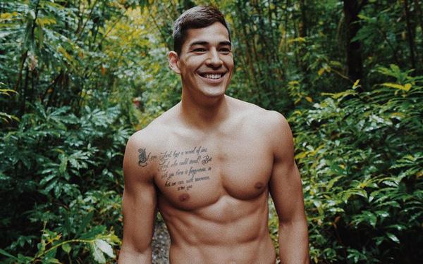 """""""Nam thần điển trai"""" của Alab Pilipinas giã từ sự nghiệp bóng rổ ở tuổi 27"""