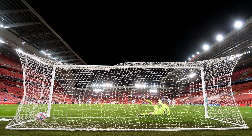 Liverpool trả giá đắt cho chiến thắng hú vía ở Champions League - ảnh 9