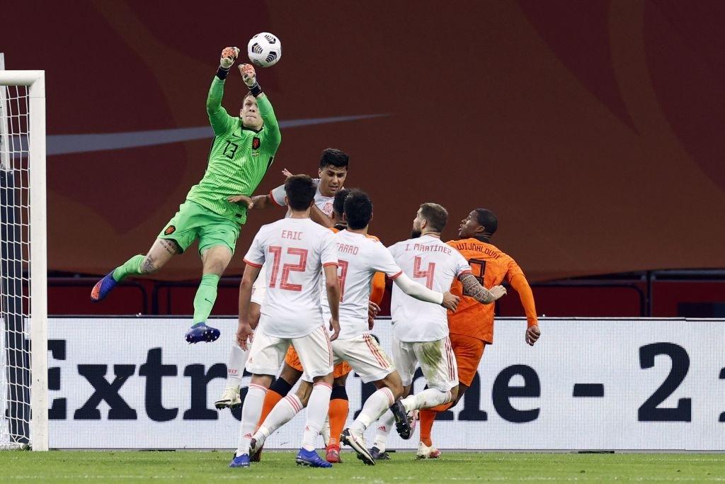 """Tân binh bị """"lãng quên"""" ở Man Utd: Donny van de Beek tỏa sáng, giải cứu ĐT Hà Lan trước Tây Ban Nha  - Ảnh 7."""