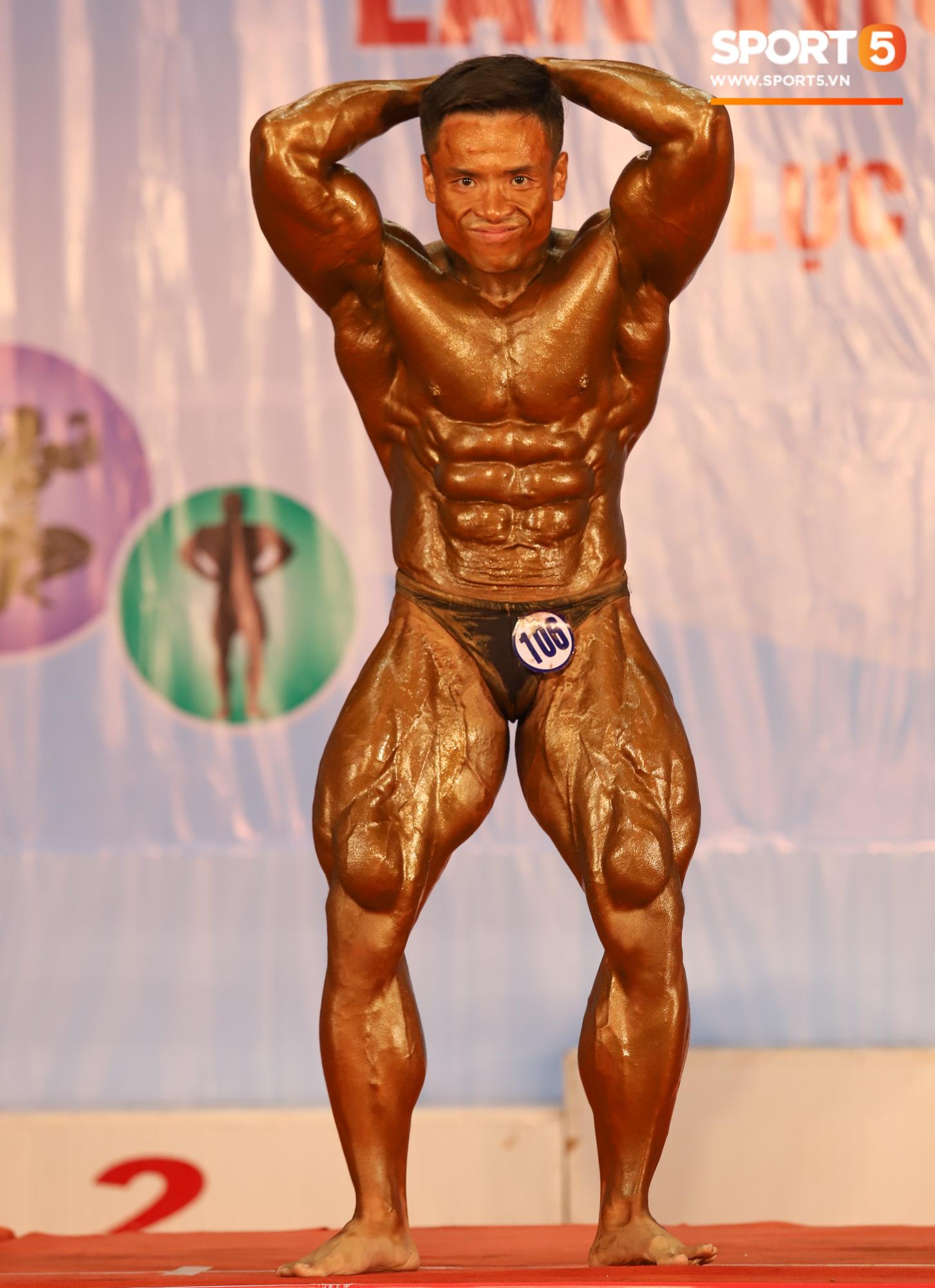 Từ 146 kg, chàng trai béo phì lột xác thành nhà vô địch tuyệt đối ở Giải thể hình danh giá nhất Việt Nam - Ảnh 9.