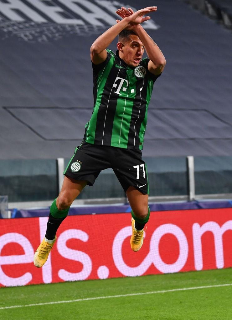 Ronaldo ghi bàn đưa Juventus vào vòng knock-out Champions League - ảnh 4