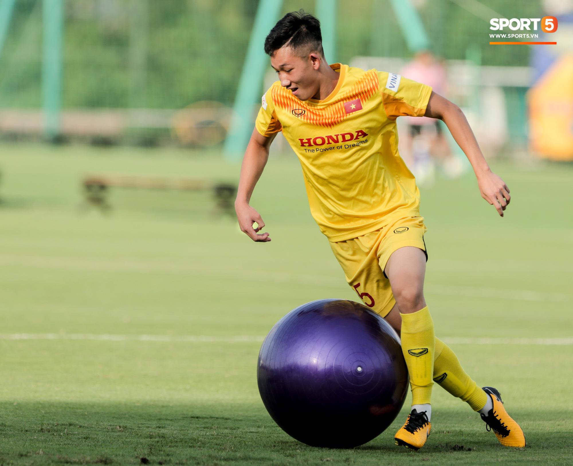 Điểm danh những gương mặt mới nổi của đội tuyển Việt Nam dưới thời HLV Park Hang-seo - ảnh 16