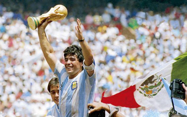 Sự nghiệp đáng nhớ của Diego Maradona qua ảnh