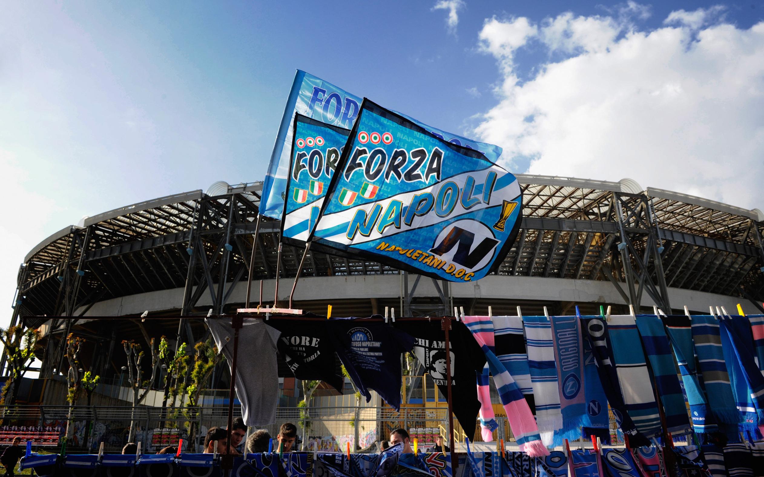 Đội bóng danh tiếng Italy đổi tên sân để tưởng nhớ Maradona