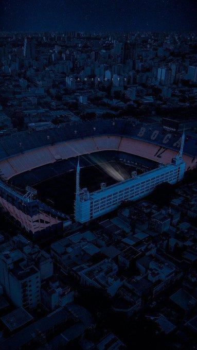 Xúc động bức họa tưởng nhớ Maradona trên nền căn nhà đổ nát giữa vùng chiến sự - ảnh 20