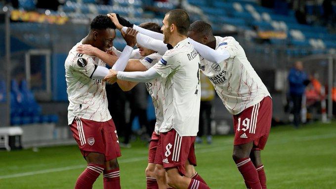 Sao bóng đá gây sốc với pha bỏ lỡ cơ hội khó tin, khoảnh khắc sau đó lại khiến các fan phải hãi hùng - Ảnh 4.