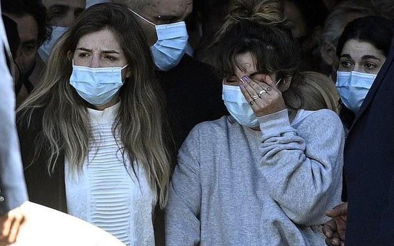 Biến căng: Y tá không chăm sóc Maradona, thừa nhận bị công ty ép làm giả lời khai