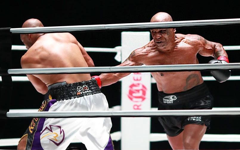 Mike Tyson khẳng định sẽ tiếp tục thượng đài sau trận đại chiến cùng Roy Jones