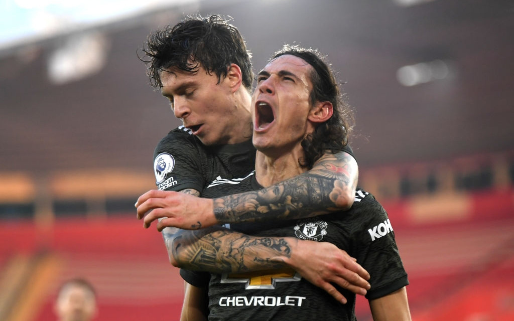 Bị dẫn 2 bàn, Man Utd vẫn thắng ngược kịch tính nhờ cú đúp của Cavani