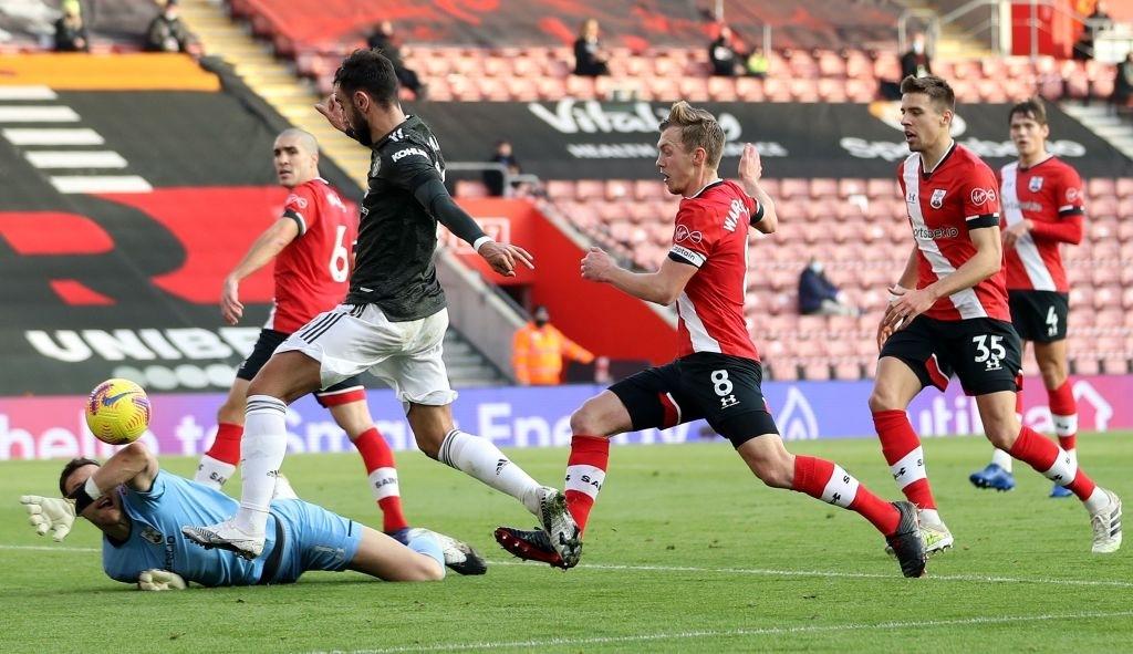 Bị dẫn 2 bàn, Man Utd vẫn thắng ngược kịch tính nhờ cú đúp giàu cảm xúc của Cavani - ảnh 5