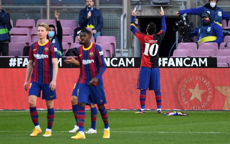 Barca đại thắng 4-0, Messi ghi bàn rồi cởi áo tri ân Maradona